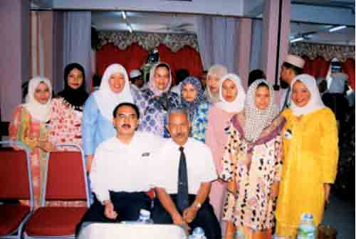 Bersama Dato Ali Rastum Ketua Menteri Melaka