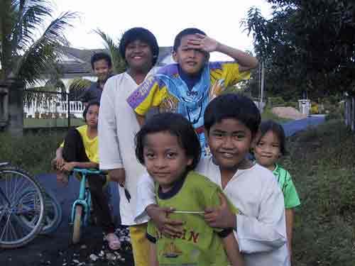 Nur Atiqah and her friends