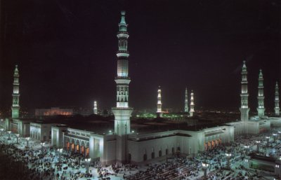 Masjid Nabawi at night